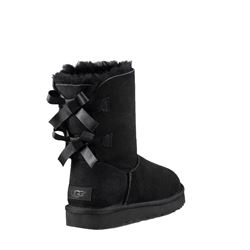 'Short Bailey Bow Shimmer' in Black by UGG at Ingolstadt Village