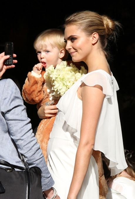 Article 1 - Cara Delevingne white.jpg (2)