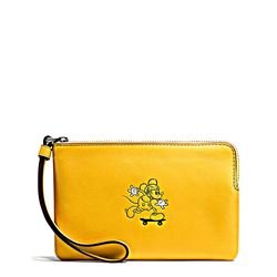 Clutch 'Mickey Leather Corner Zip' in yellow by Coach at Ingolstadt Village