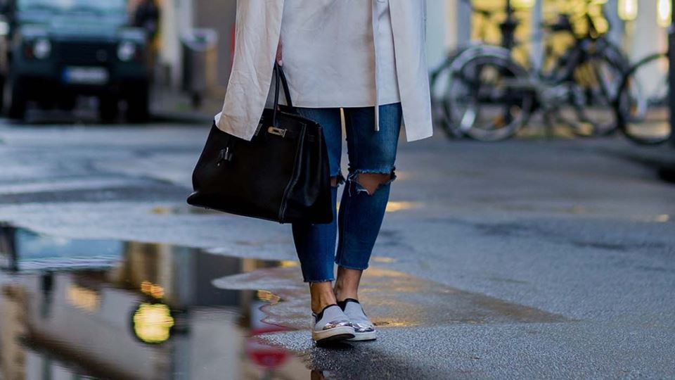 2000x700_2_Suits-You-Luxe-Ways-To-Wear-Your-Sneakers_The-Slip-Ons_Ingolstadt-Village.jpg