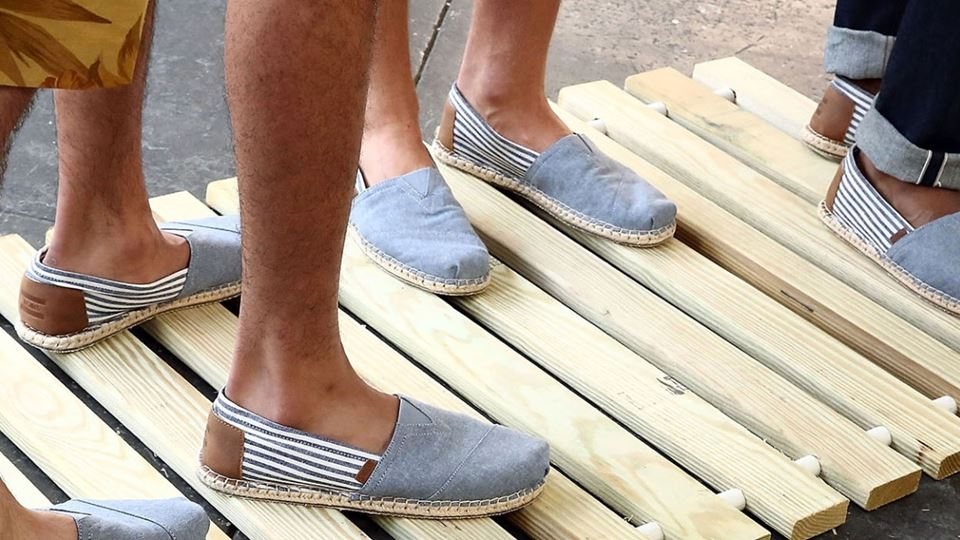 2000x700_3_Men's-Holiday-Essentials_The-Shoes_Fidenza-Village..jpg