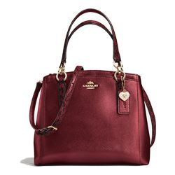 Handbag in bordeaux by Coach at Ingolstadt Village