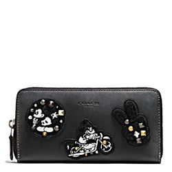 Damen-Geldbeutel 'Mickey Patches Accordion Zip' in Schwarz von Coach in Wertheim Village