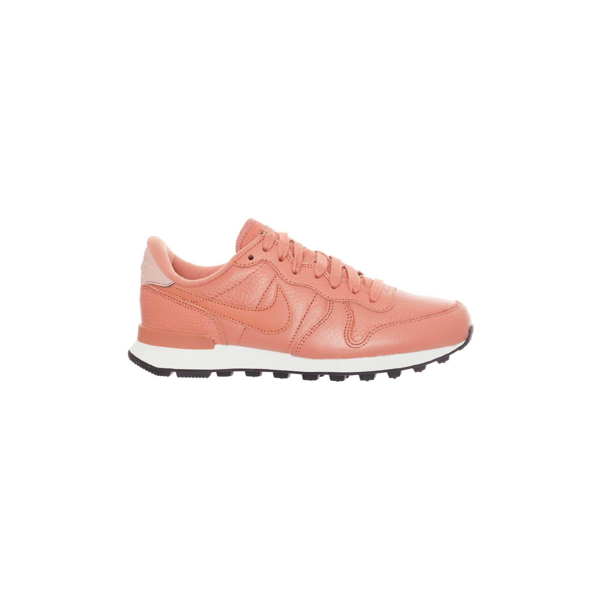 Factory Village 67vbfgyy • Nike Roca Store Tienda La xWrCBdoe