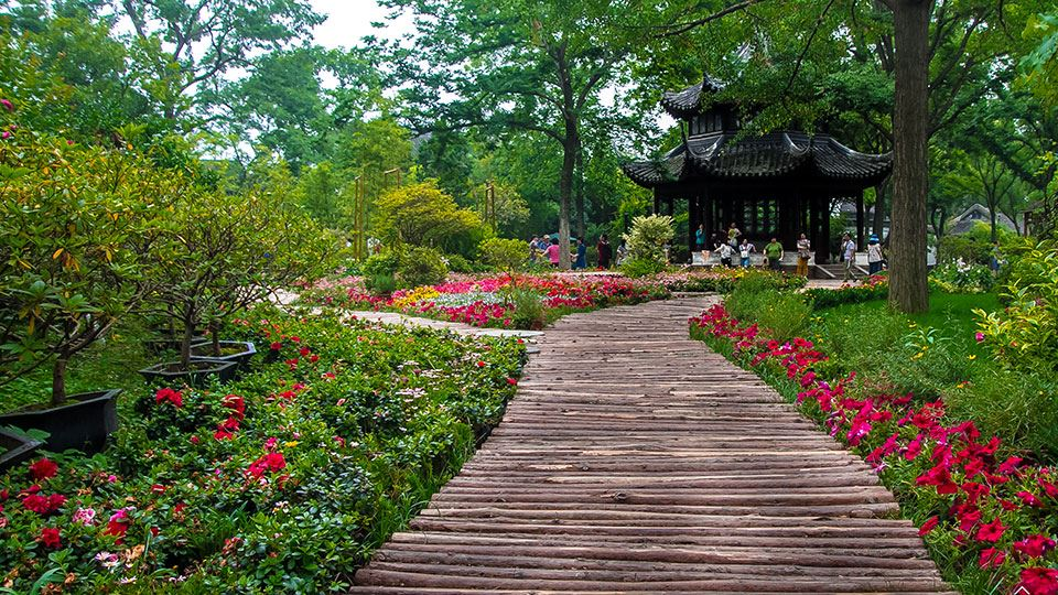 960x540-4-spring-is-in-bloom-humble-administrators-garden-suzhou-bicester-village.jpg