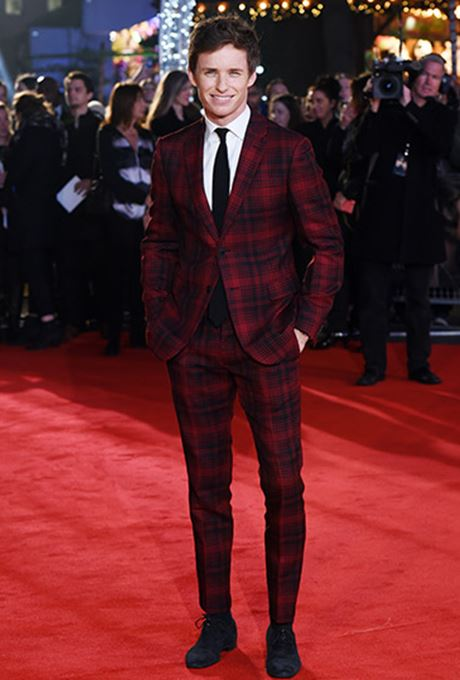 369-eddie-redmayne-red-carper.jpg