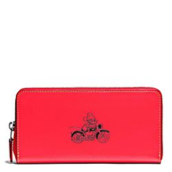 Damen-Geldbeutel 'Mickey Leather Accordion Zip' in Rot von Coach in Wertheim Village
