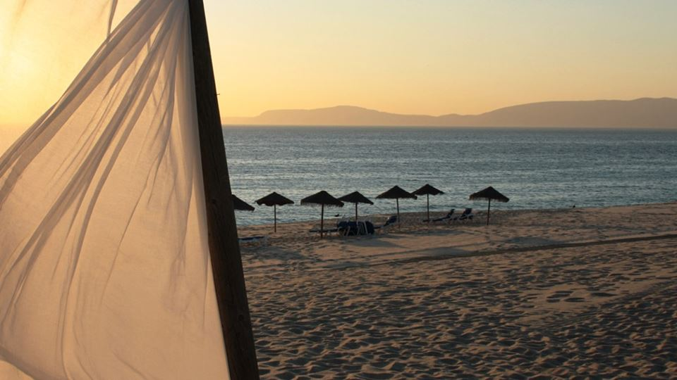 2000x700_6_Little-Black-Book-Of-Style_Relax-on-the-Sands_La-Roca-Village.jpg