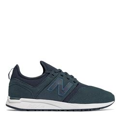 Women's sneaker in blue by New balance at Ingolstadt Village
