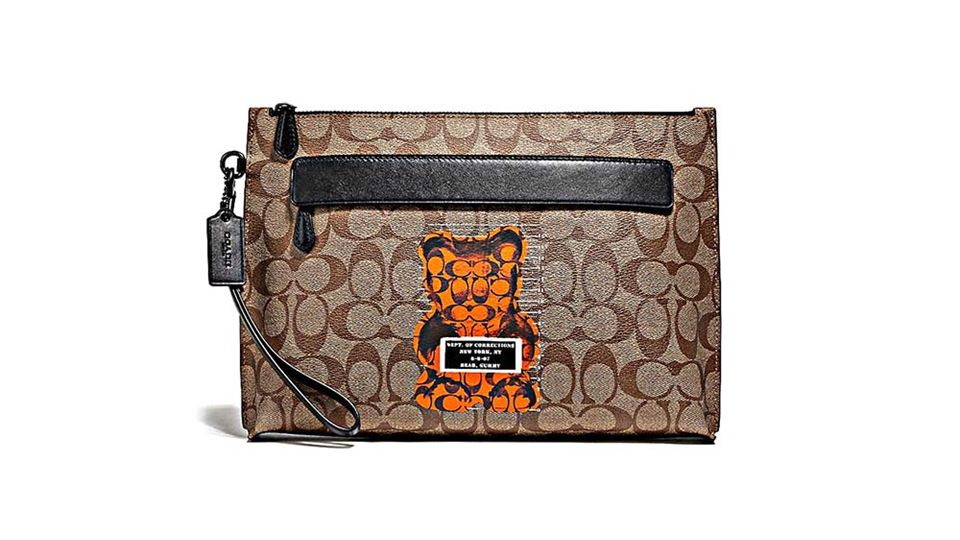 coach_Carry All Pouch In Signature Vandal Gummy_tan_2000x2000.jpg