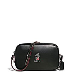 Umhängetasche 'Mickey Leather Crossbody Pouch' in Schwarz von Coach in Wertheim Village