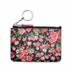 Key pouch with gusset