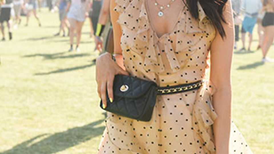 369x540-iconic-festival-looks-one-piece.jpg
