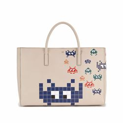 Anya Hindmarch Ebury maxi space invasion in grey white circus